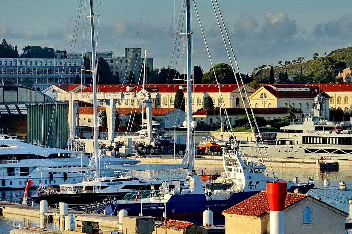 [Les ports militaires de métropole] Port de Toulon - TOME 1 - Page 5 _co14103