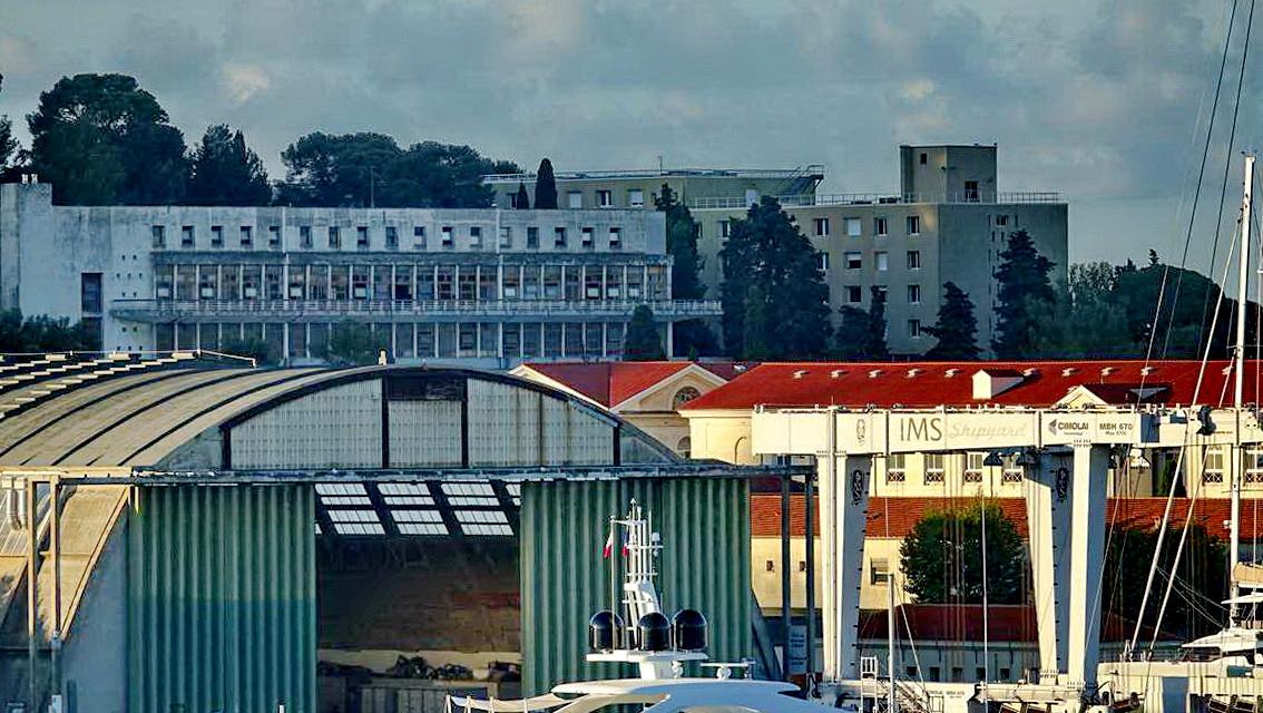 [Les ports militaires de métropole] Port de Toulon - TOME 1 - Page 5 _co14105
