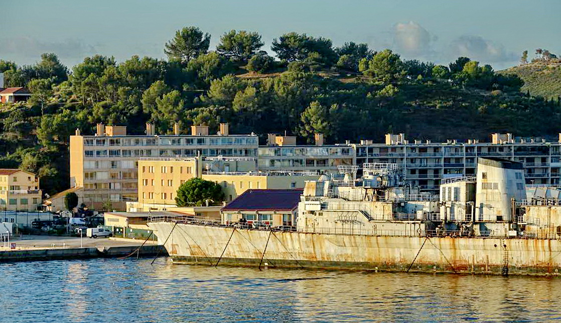 [Les ports militaires de métropole] Port de Toulon - TOME 1 - Page 6 _co14392