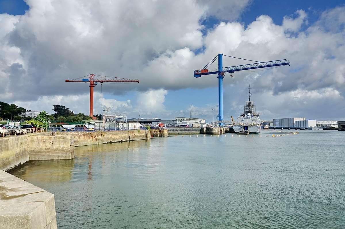 [Les ports militaires de métropole] Port de LORIENT - TOME 1 - Page 14 _cop2712