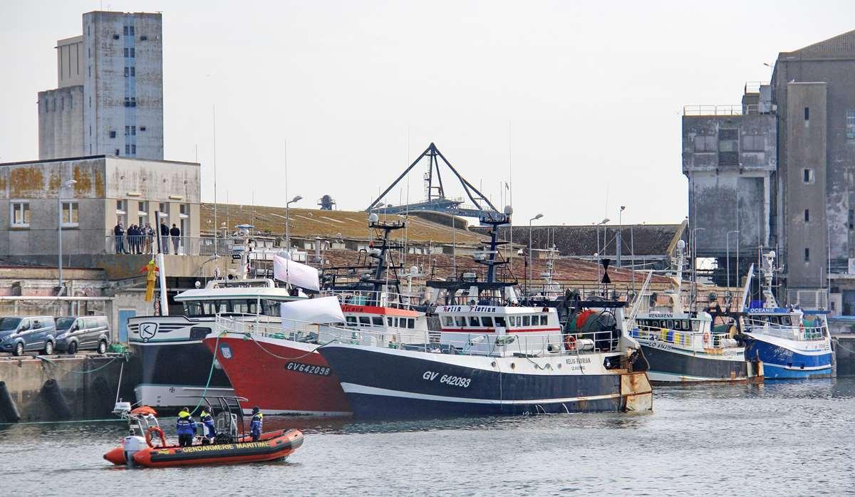 [VIE DES PORTS] Quelques bateaux de pêche (sur nos côtes Françaises) - Page 9 _cop4379