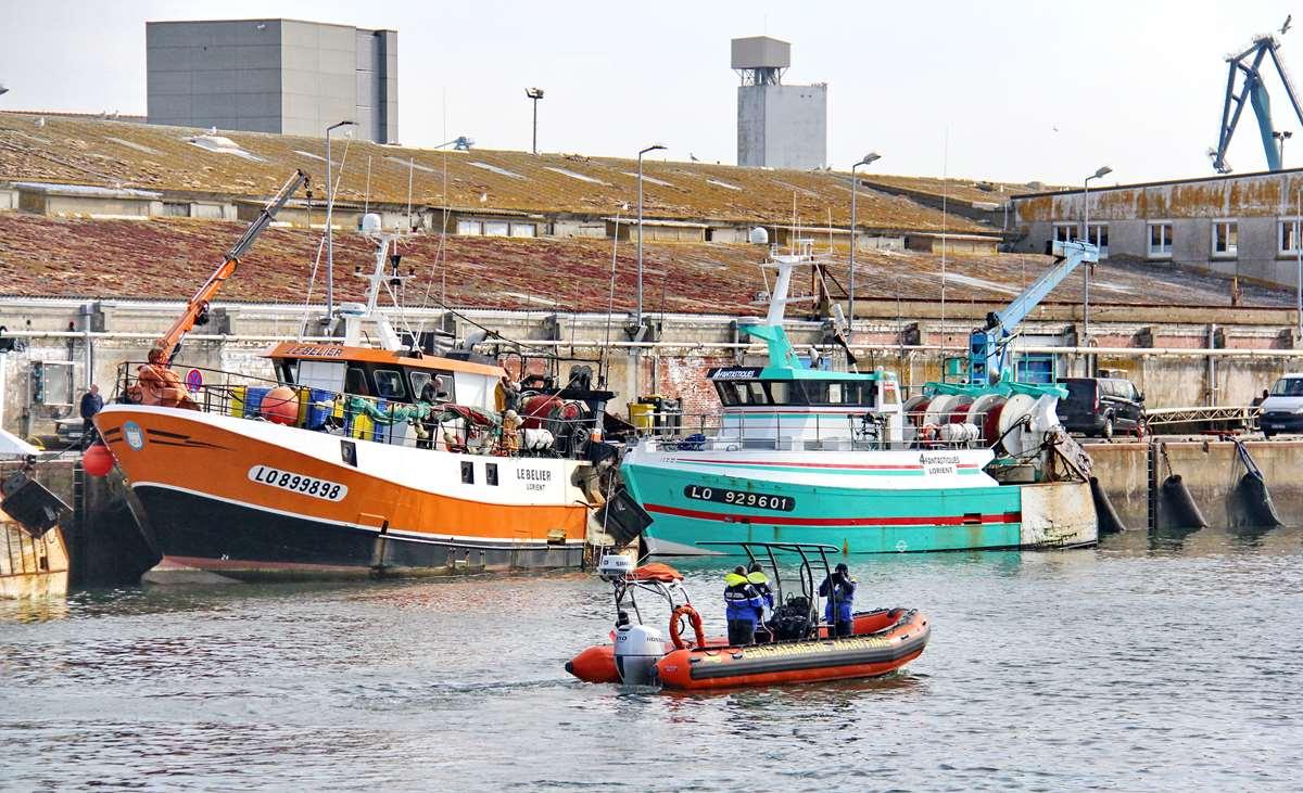 [VIE DES PORTS] Quelques bateaux de pêche (sur nos côtes Françaises) - Page 9 _cop4381