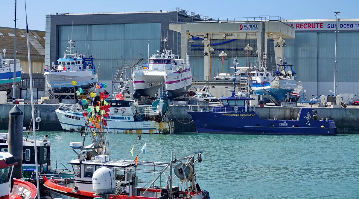 [VIE DES PORTS] Quelques bateaux de pêche (sur nos côtes Françaises) - Page 9 _cop5182