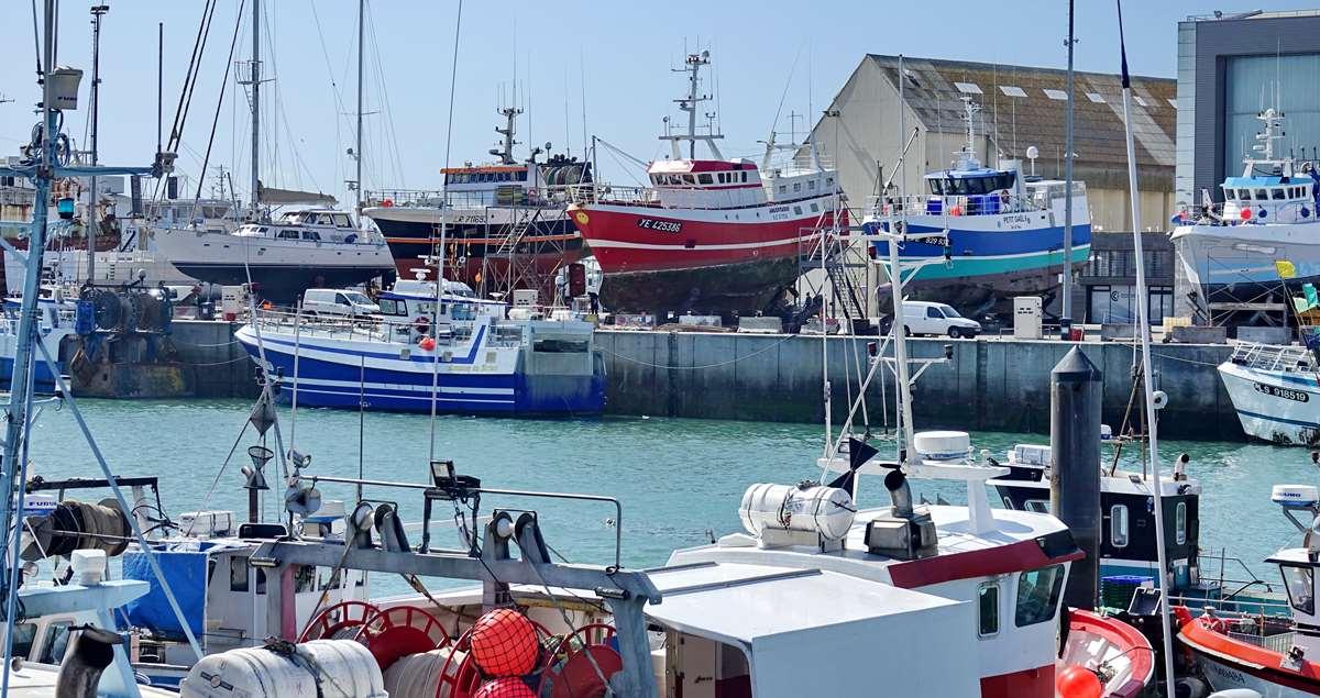 [VIE DES PORTS] Quelques bateaux de pêche (sur nos côtes Françaises) - Page 9 _cop5184