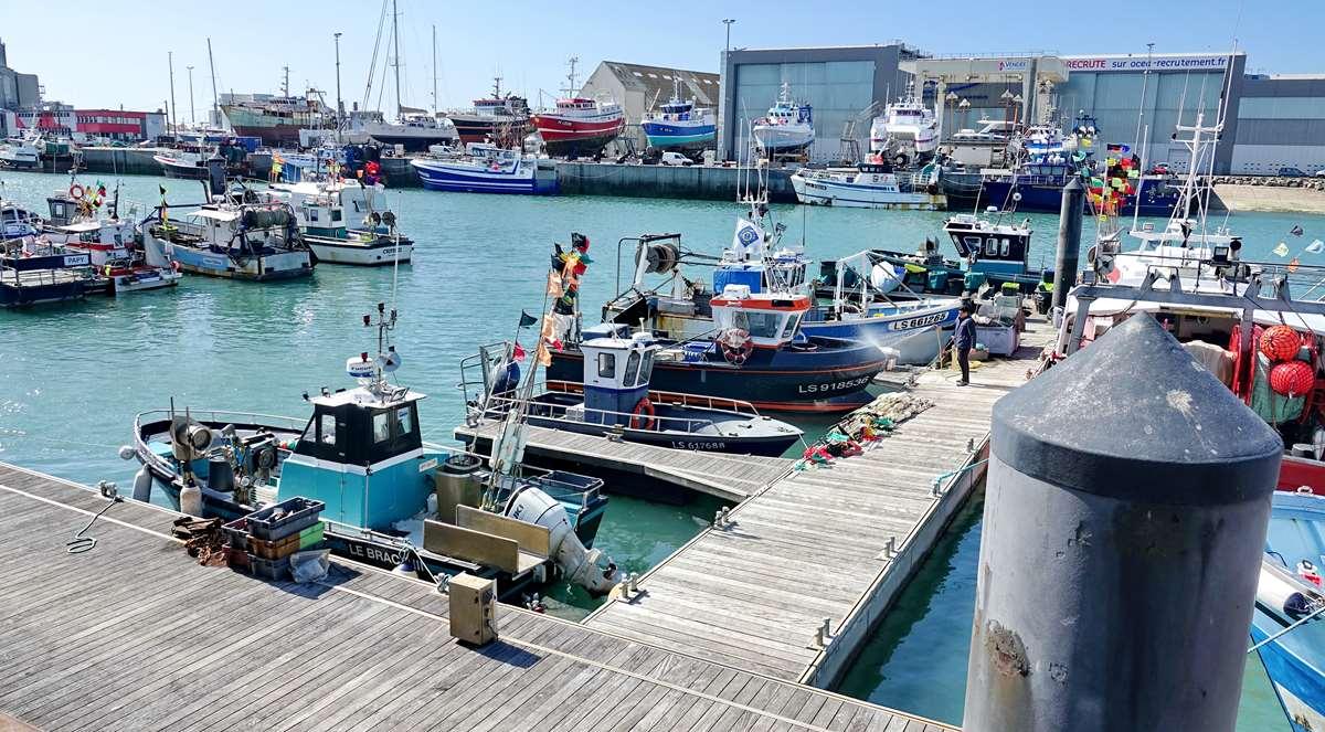 [VIE DES PORTS] Quelques bateaux de pêche (sur nos côtes Françaises) - Page 9 _cop5187