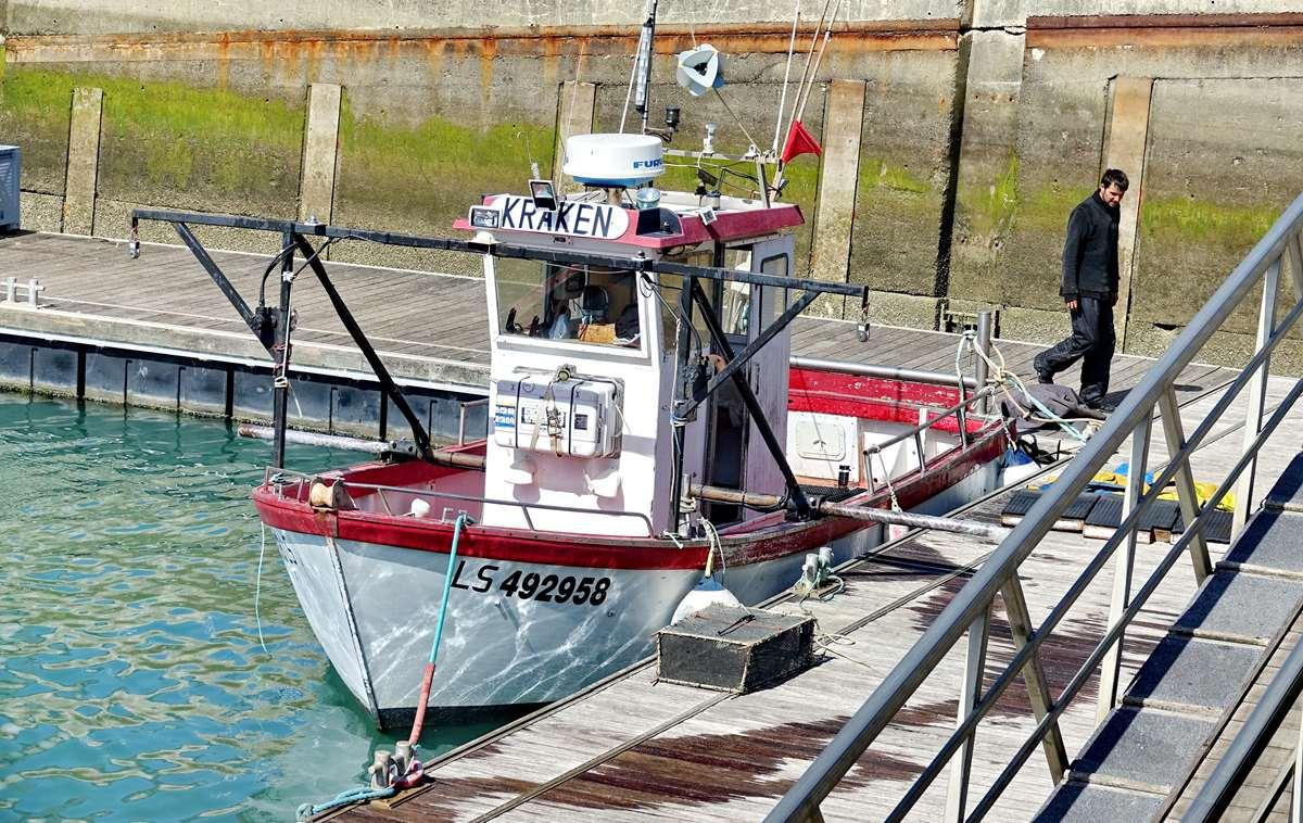 [VIE DES PORTS] Quelques bateaux de pêche (sur nos côtes Françaises) - Page 9 _cop5188