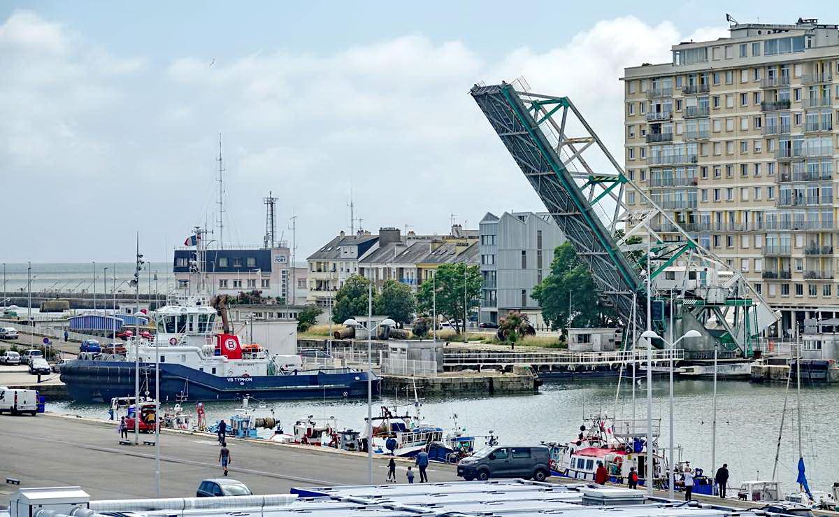 [Vie des ports] Port de Saint Nazaire - Page 8 _cop8186