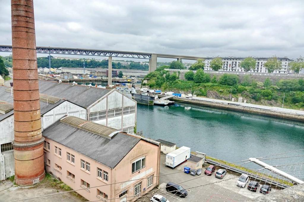 [Vie des ports] BREST Ports et rade - Volume 001 - Page 22 _cop8312