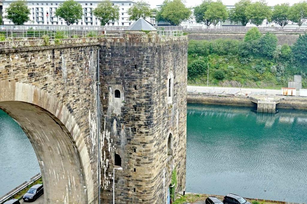 [Vie des ports] BREST Ports et rade - Volume 001 - Page 22 _cop8323