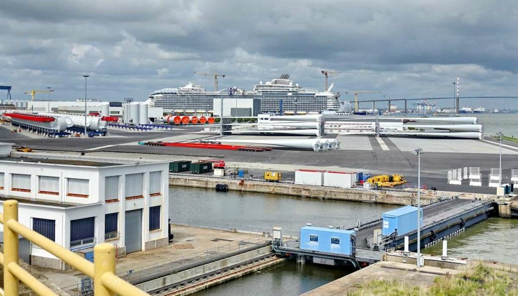 [Vie des ports] Port de Saint Nazaire - Page 8 _cop8380