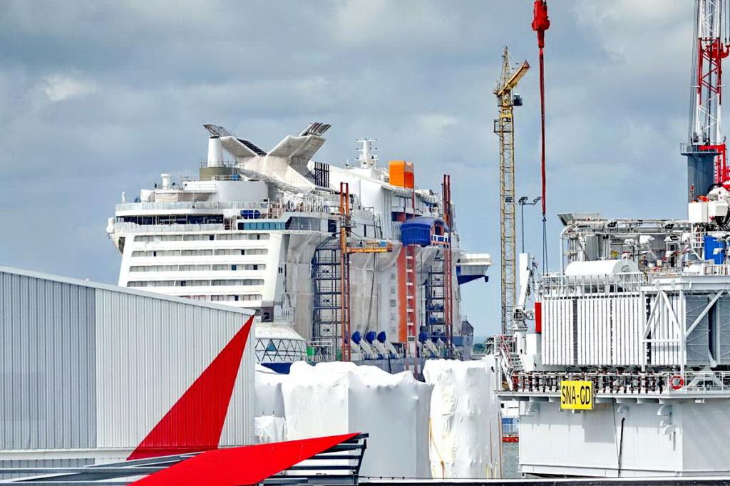 [Vie des ports] Port de Saint Nazaire - Page 8 _cop8399