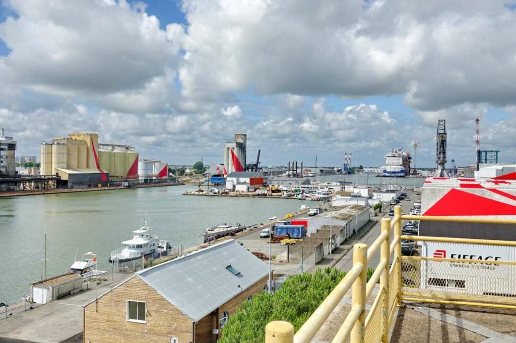 [Vie des ports] Port de Saint Nazaire - Page 8 _cop8409