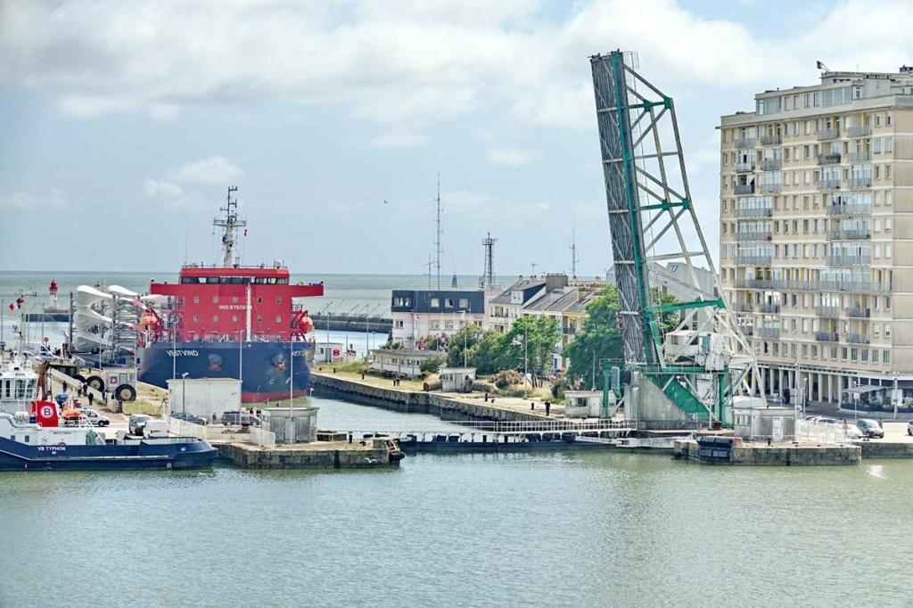 [Vie des ports] Port de Saint Nazaire - Page 8 _cop8507