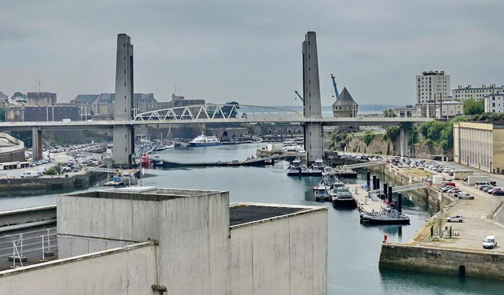 [Vie des ports] BREST Ports et rade - Volume 001 - Page 22 _cop8552