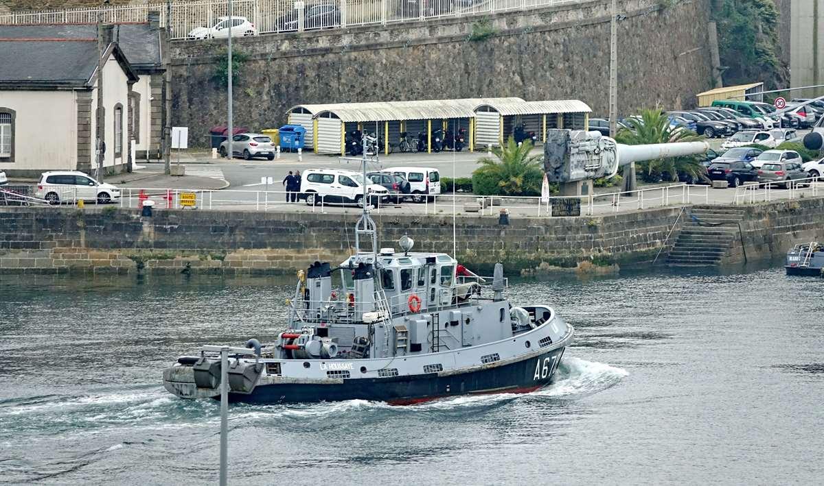 [Les ports militaires de métropole] Port de BREST - TOME 3 - Page 26 _cop8609