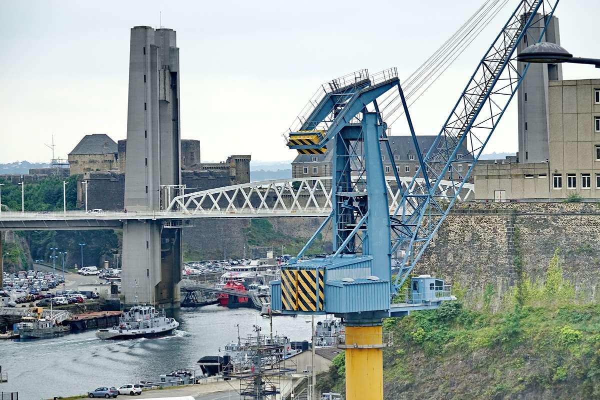 [Les ports militaires de métropole] Port de BREST - TOME 3 - Page 26 _cop8613