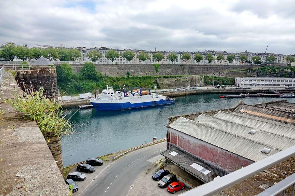 [Les ports militaires de métropole] Port de BREST - TOME 3 - Page 26 _cop8619