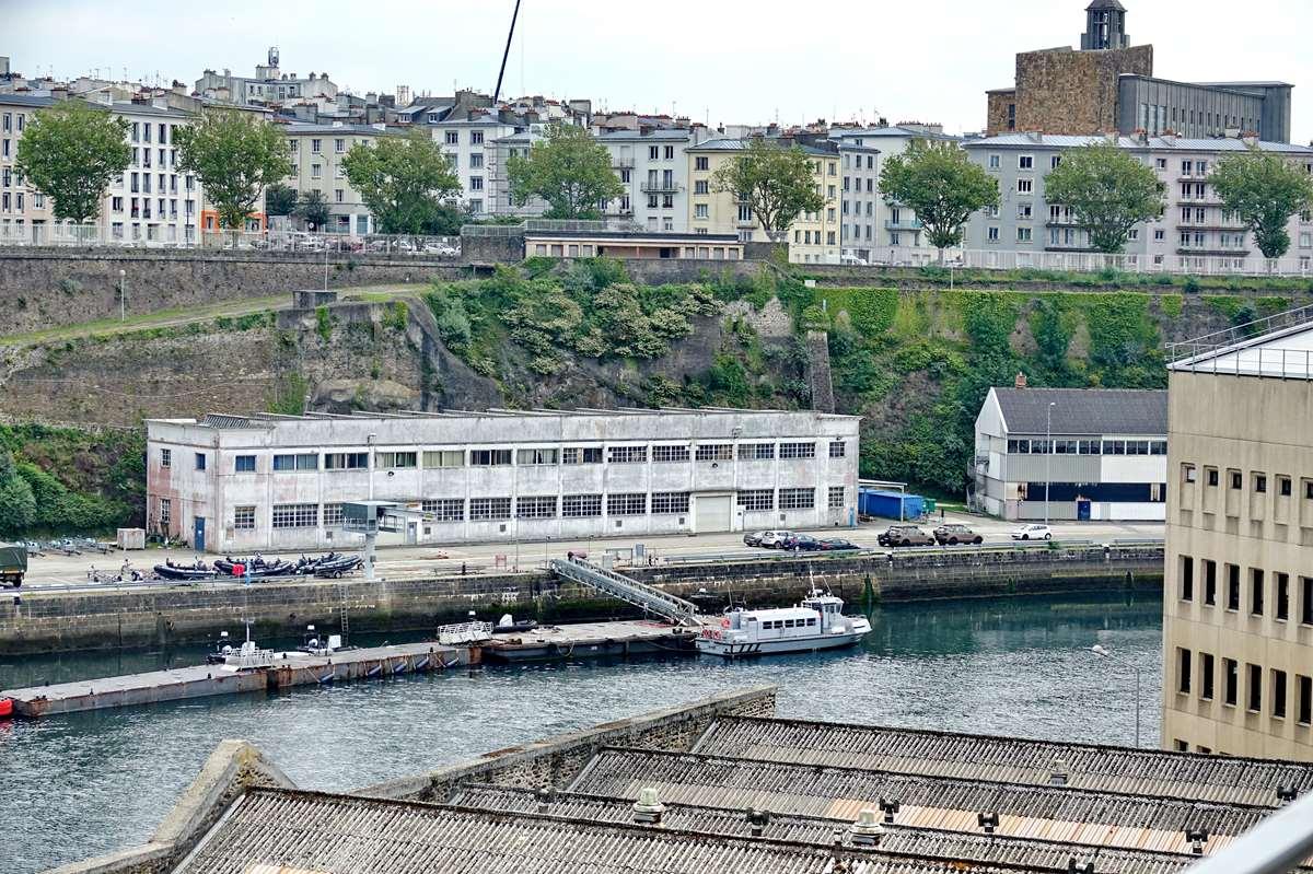 [Les ports militaires de métropole] Port de BREST - TOME 3 - Page 26 _cop8623