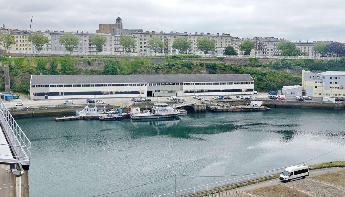 [Les ports militaires de métropole] Port de BREST - TOME 3 - Page 26 _cop8626