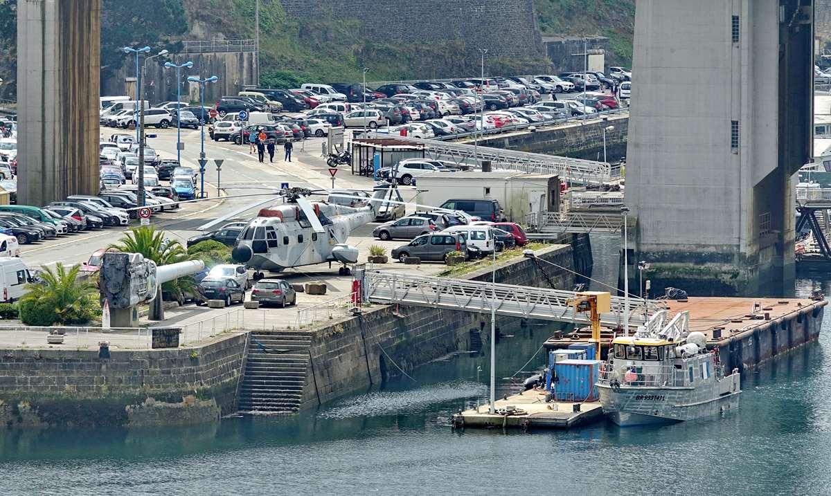 [Les ports militaires de métropole] Port de BREST - TOME 3 - Page 26 _cop8631
