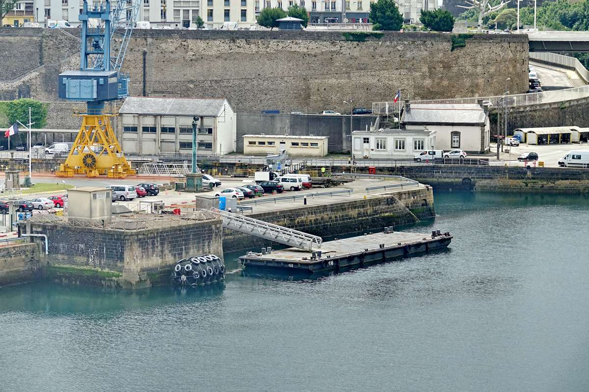 [Les ports militaires de métropole] Port de BREST - TOME 3 - Page 26 _cop8632