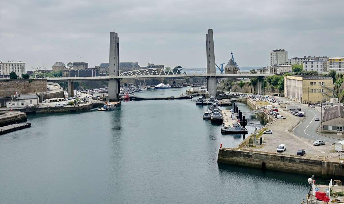 [Les ports militaires de métropole] Port de BREST - TOME 3 - Page 26 _cop8634