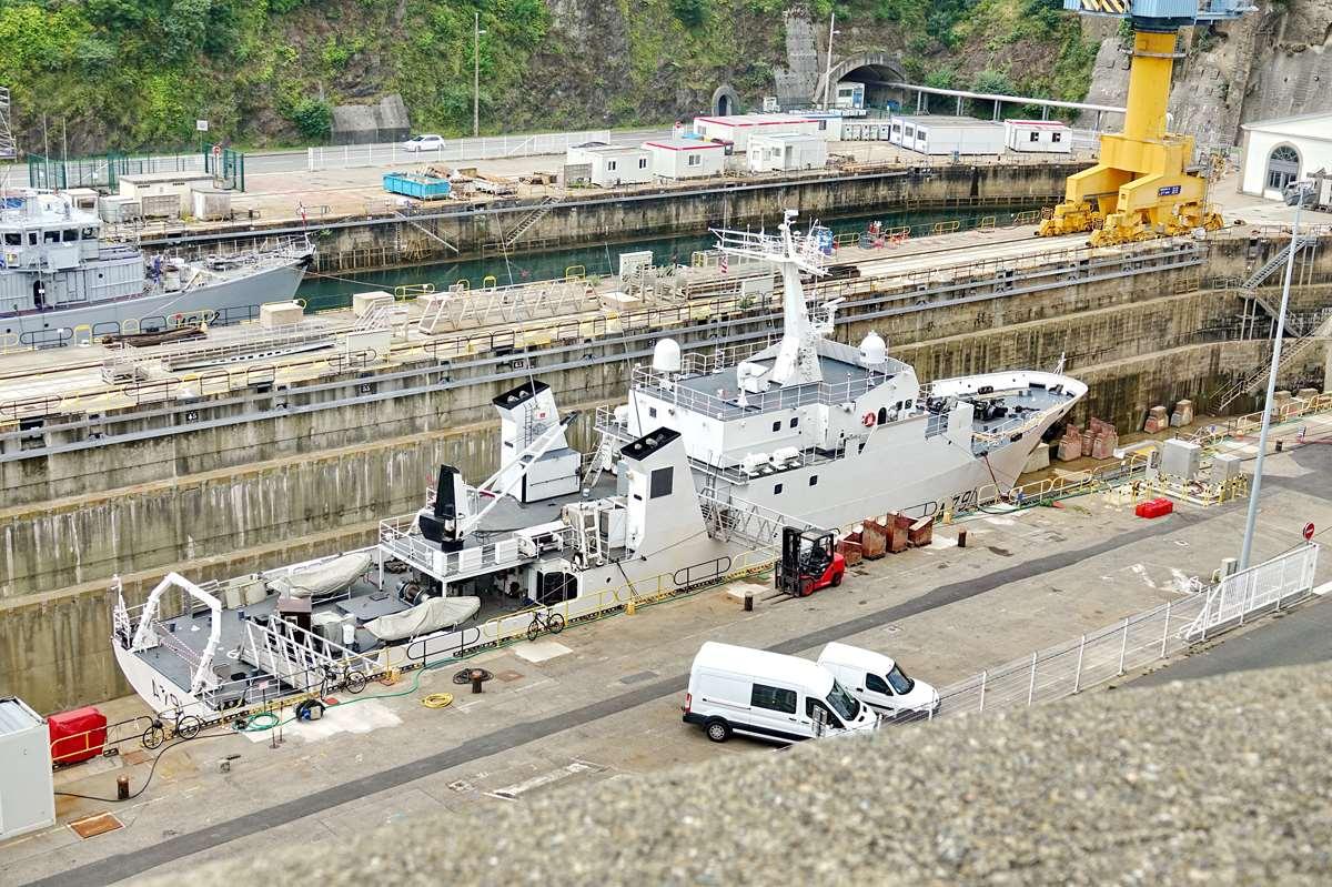 [Les ports militaires de métropole] Port de BREST - TOME 3 - Page 26 _cop9319