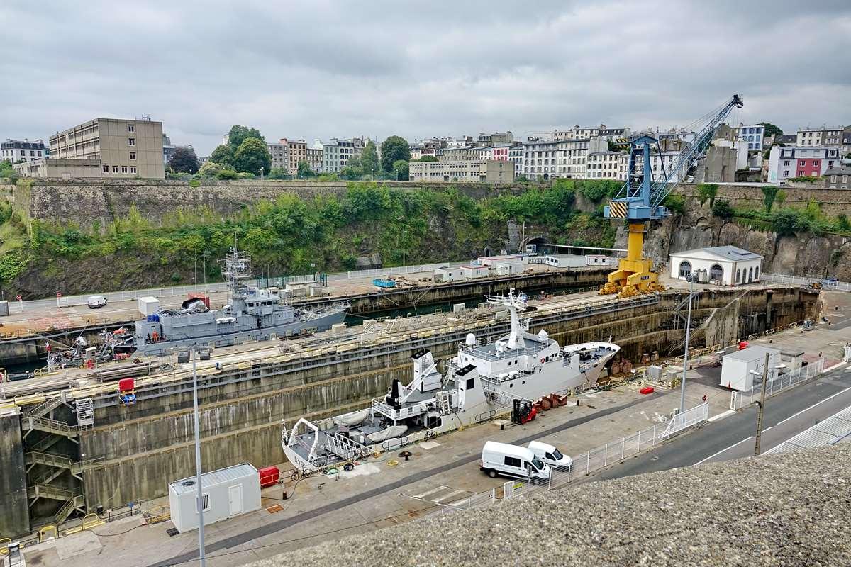 [Les ports militaires de métropole] Port de BREST - TOME 3 - Page 26 _cop9321