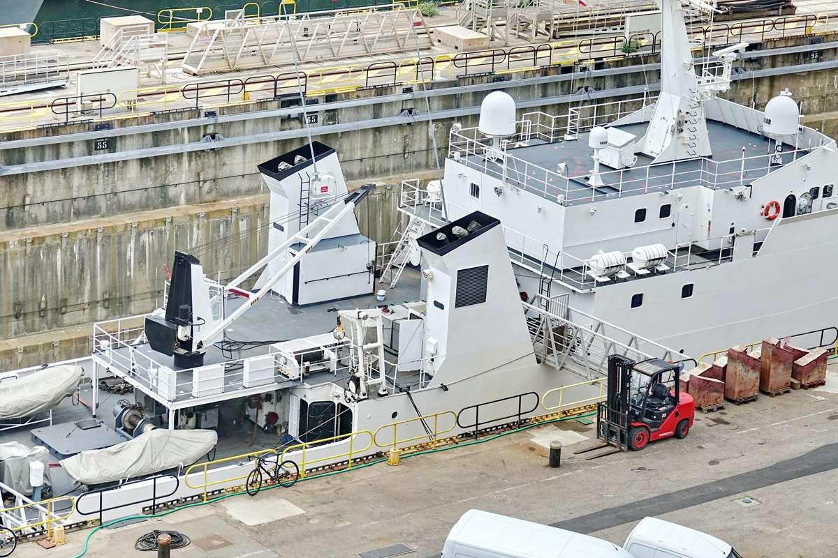 [Les ports militaires de métropole] Port de BREST - TOME 3 - Page 26 _cop9331