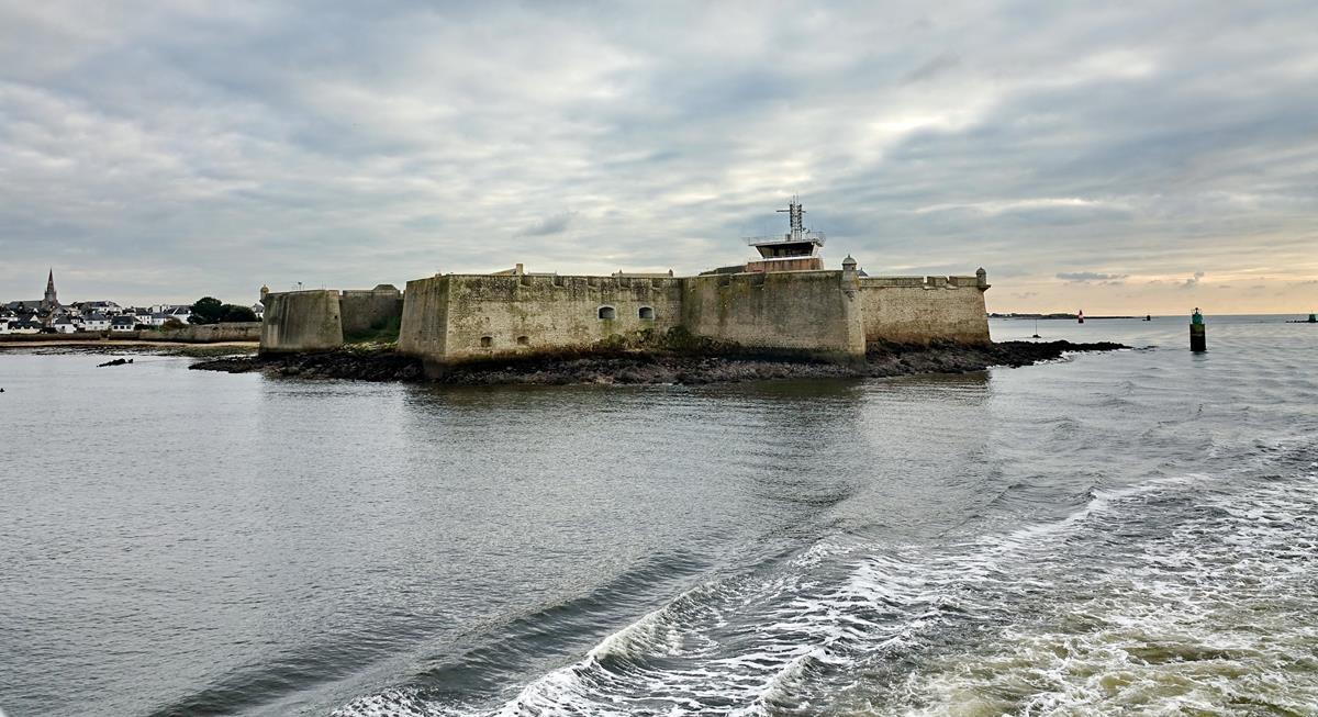 [Les ports militaires de métropole] Port de LORIENT - Page 10 _copi683