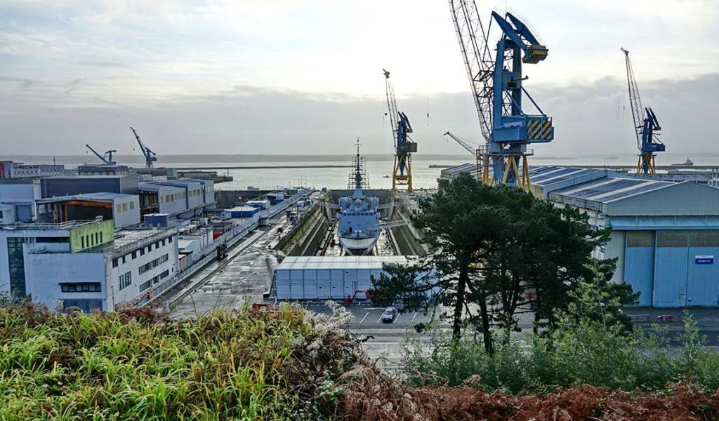 [Les ports militaires de métropole] Port de BREST - TOME 3 - Page 13 _copi753