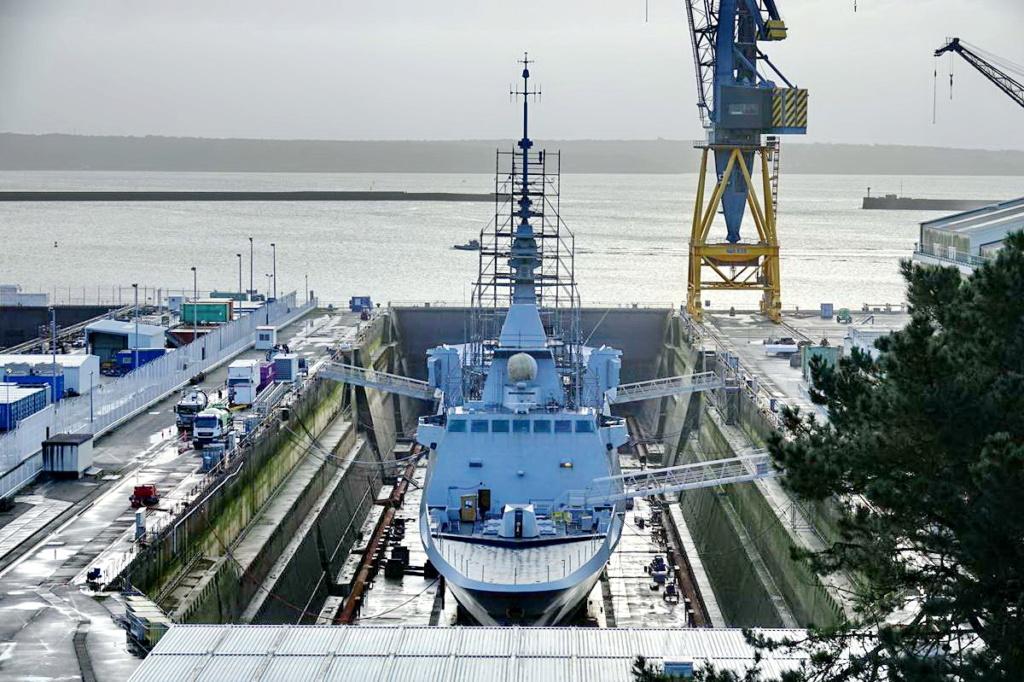 [Les ports militaires de métropole] Port de BREST - TOME 3 - Page 13 _copi755