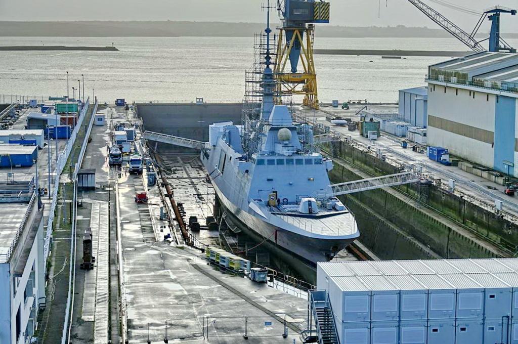 [Les ports militaires de métropole] Port de BREST - TOME 3 - Page 13 _copi756