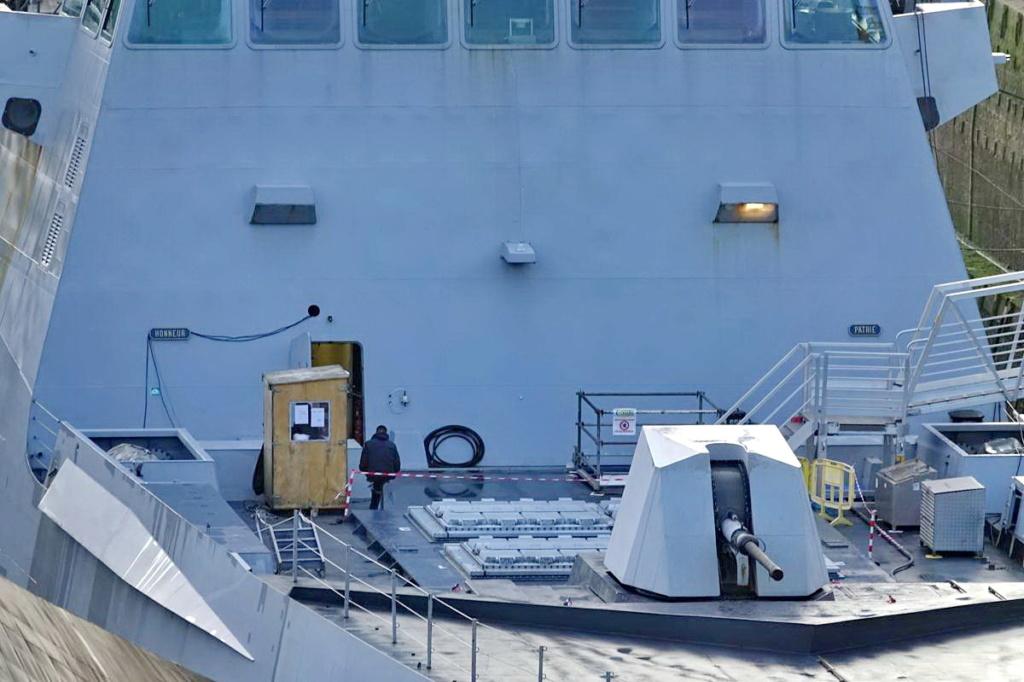 [Les ports militaires de métropole] Port de BREST - TOME 3 - Page 13 _copi757