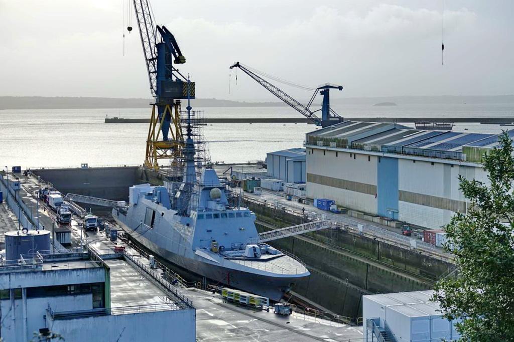 [Les ports militaires de métropole] Port de BREST - TOME 3 - Page 13 _copi761