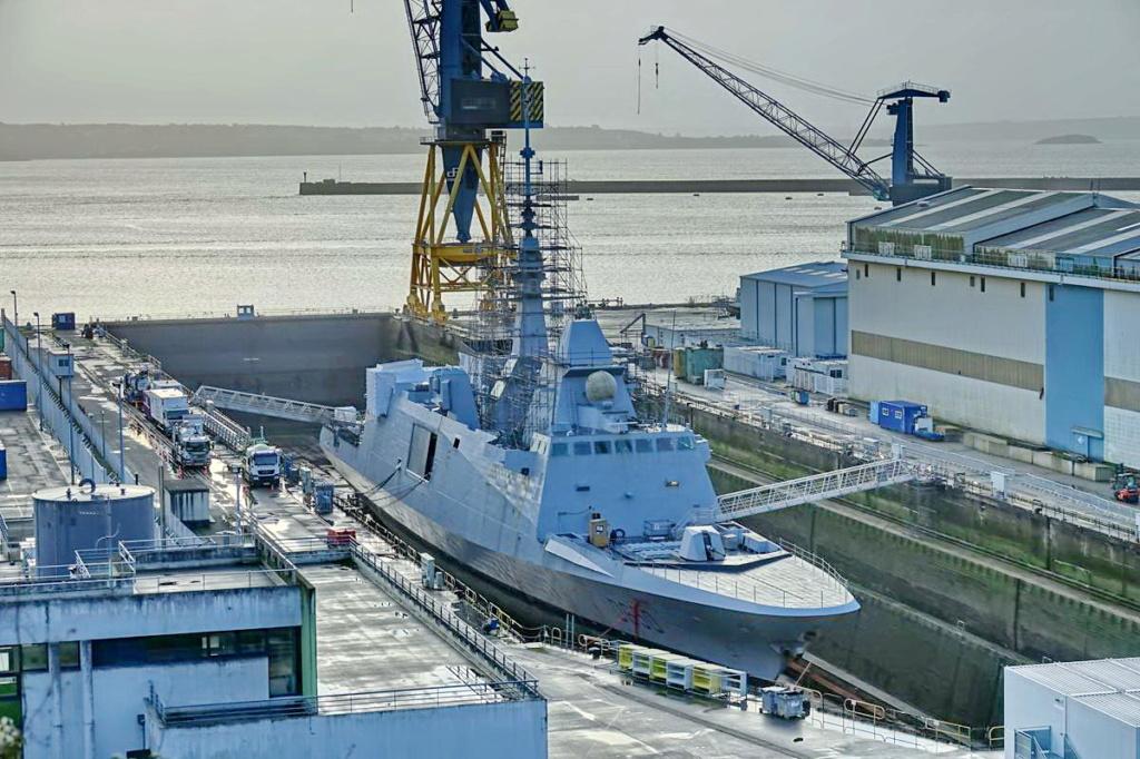[Les ports militaires de métropole] Port de BREST - TOME 3 - Page 13 _copi763