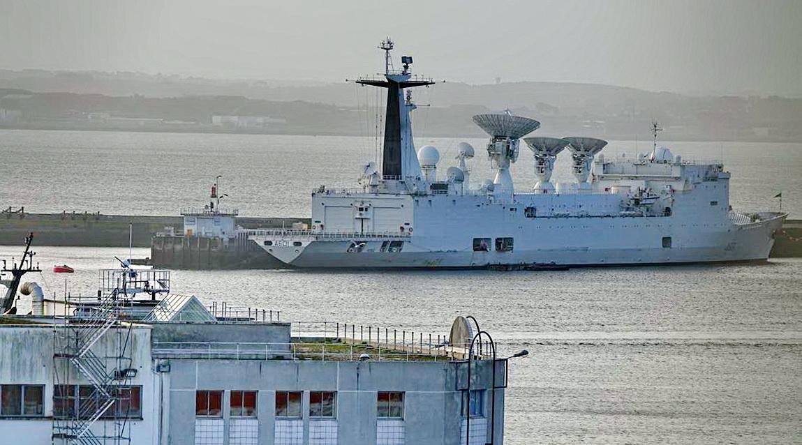 [Les ports militaires de métropole] Port de BREST - TOME 3 - Page 13 _copi767