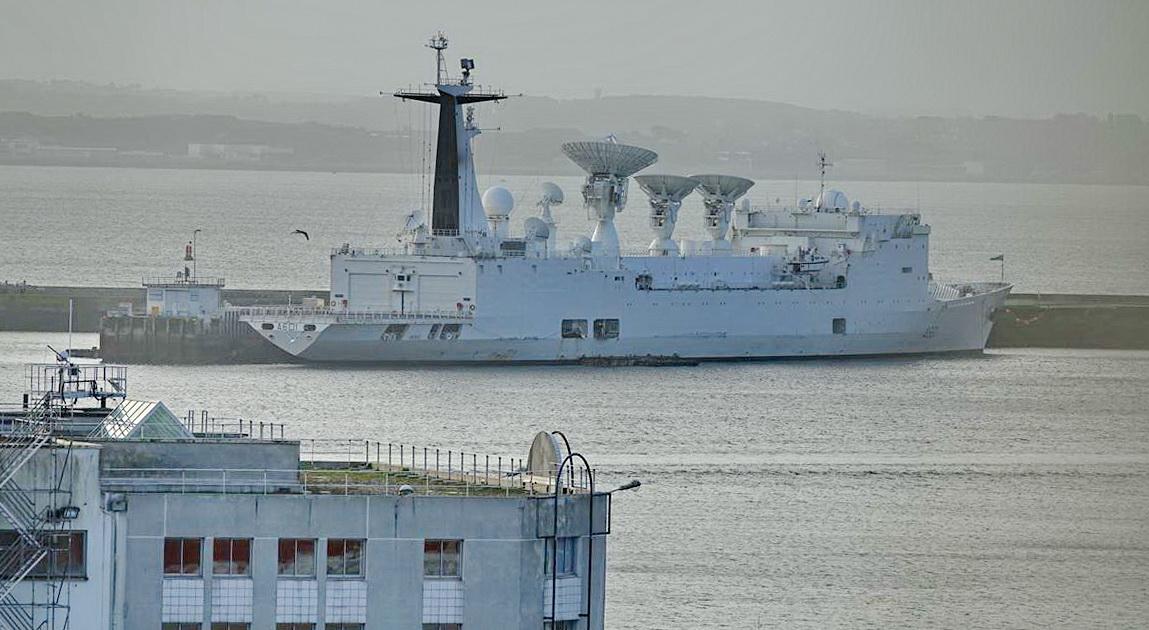 [Les ports militaires de métropole] Port de BREST - TOME 3 - Page 13 _copi768