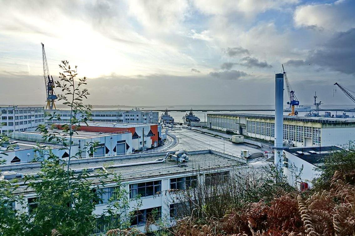 [Les ports militaires de métropole] Port de BREST - TOME 3 - Page 13 _copi769