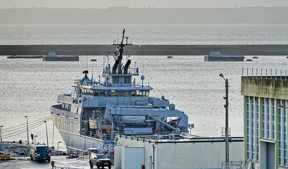 [Les ports militaires de métropole] Port de BREST - TOME 3 - Page 13 _copi770