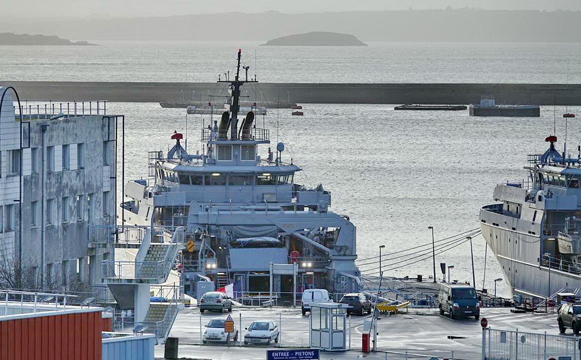 [Les ports militaires de métropole] Port de BREST - TOME 3 - Page 13 _copi773
