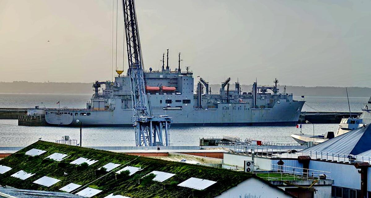 [Les ports militaires de métropole] Port de BREST - TOME 3 - Page 15 _copi793