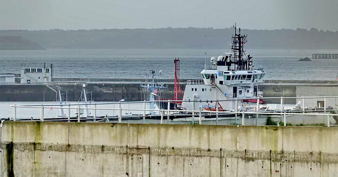 [Les ports militaires de métropole] Port de BREST - TOME 3 - Page 15 _copi822