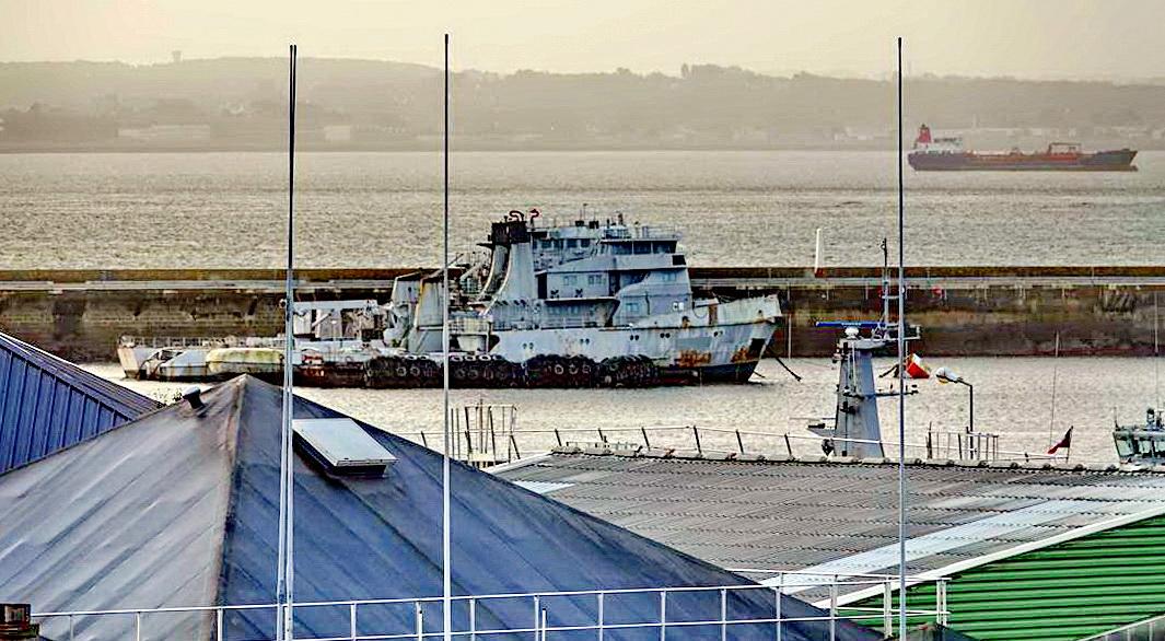 [Les ports militaires de métropole] Port de BREST - TOME 3 - Page 15 _copi826