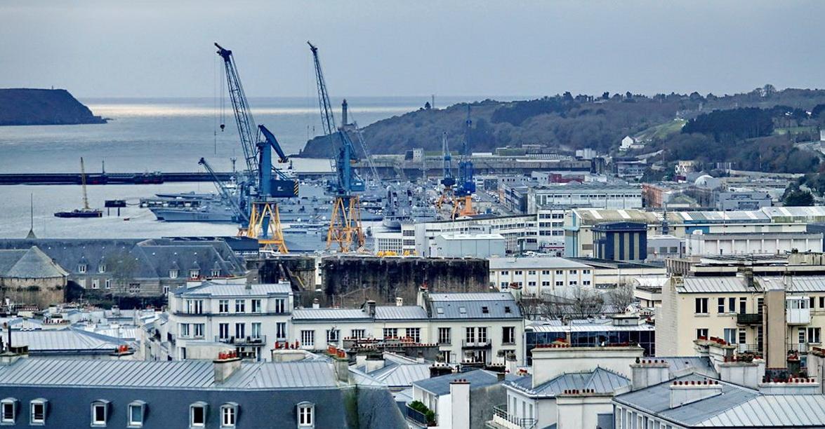 [Les ports militaires de métropole] Port de BREST - TOME 3 - Page 15 _copi828