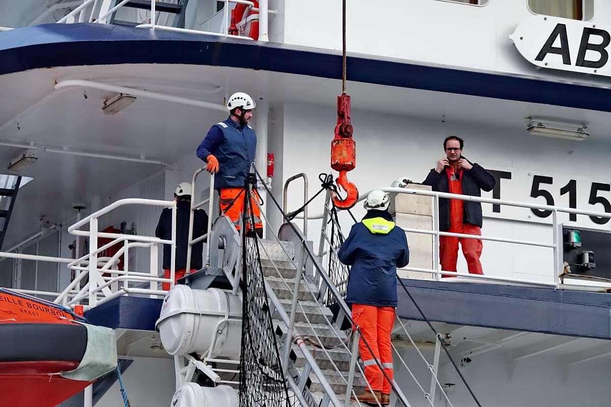 [Vie des ports] BREST Ports et rade - Volume 001 - Page 7 _copi892