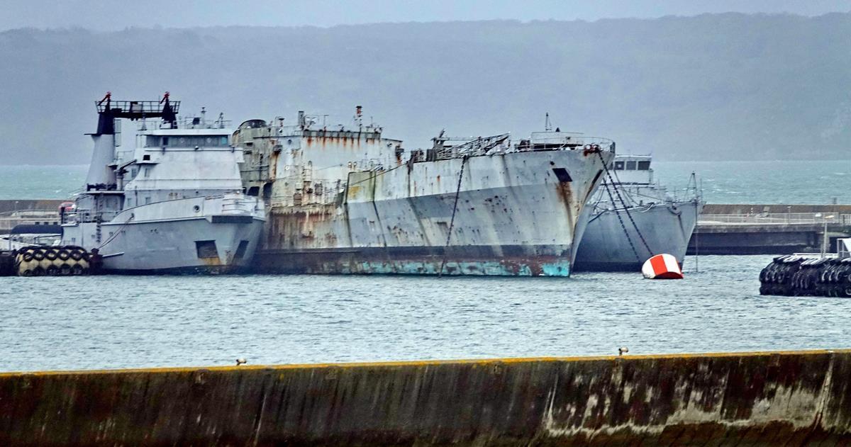[Les ports militaires de métropole] Port de BREST - TOME 3 - Page 16 Brest105