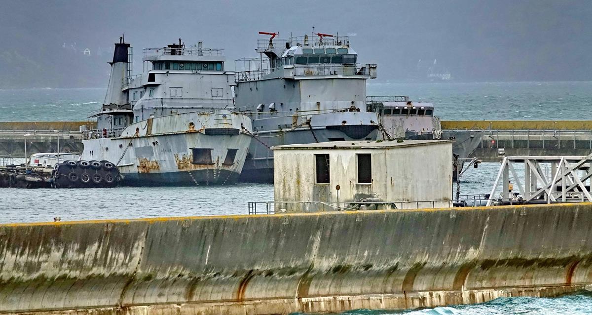 [Les ports militaires de métropole] Port de BREST - TOME 3 - Page 16 Brest107