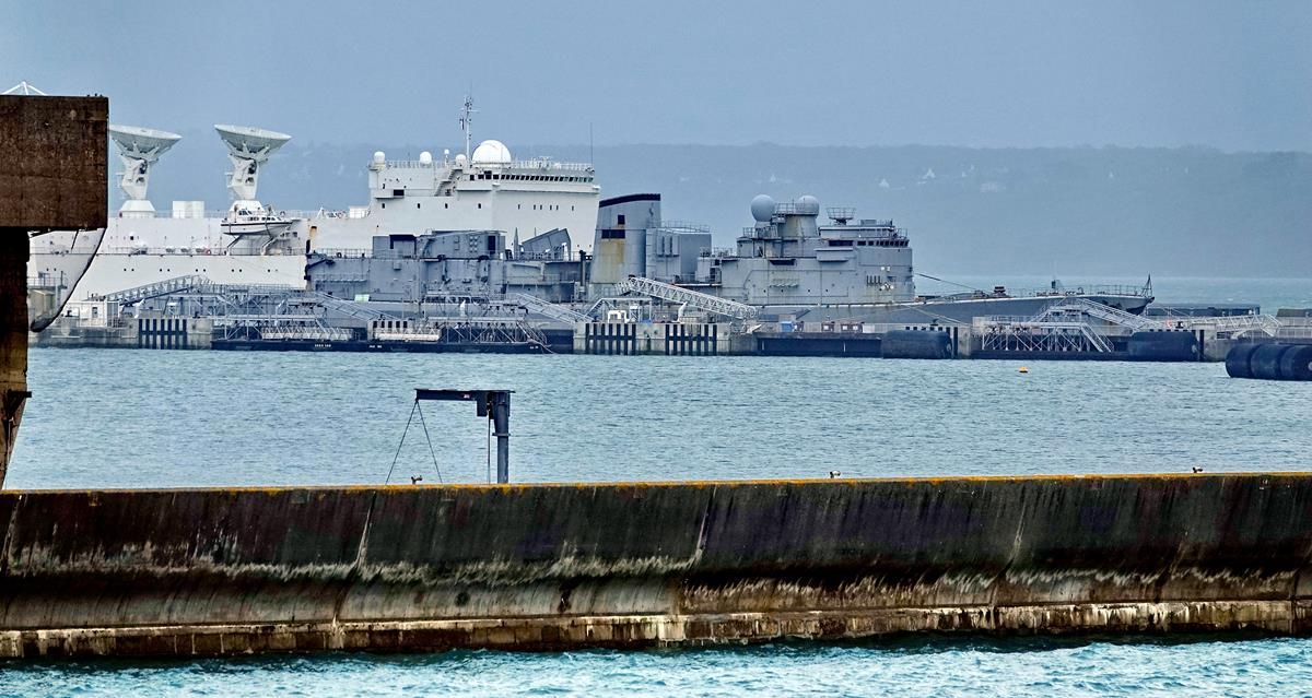 [Les ports militaires de métropole] Port de BREST - TOME 3 - Page 16 Brest109