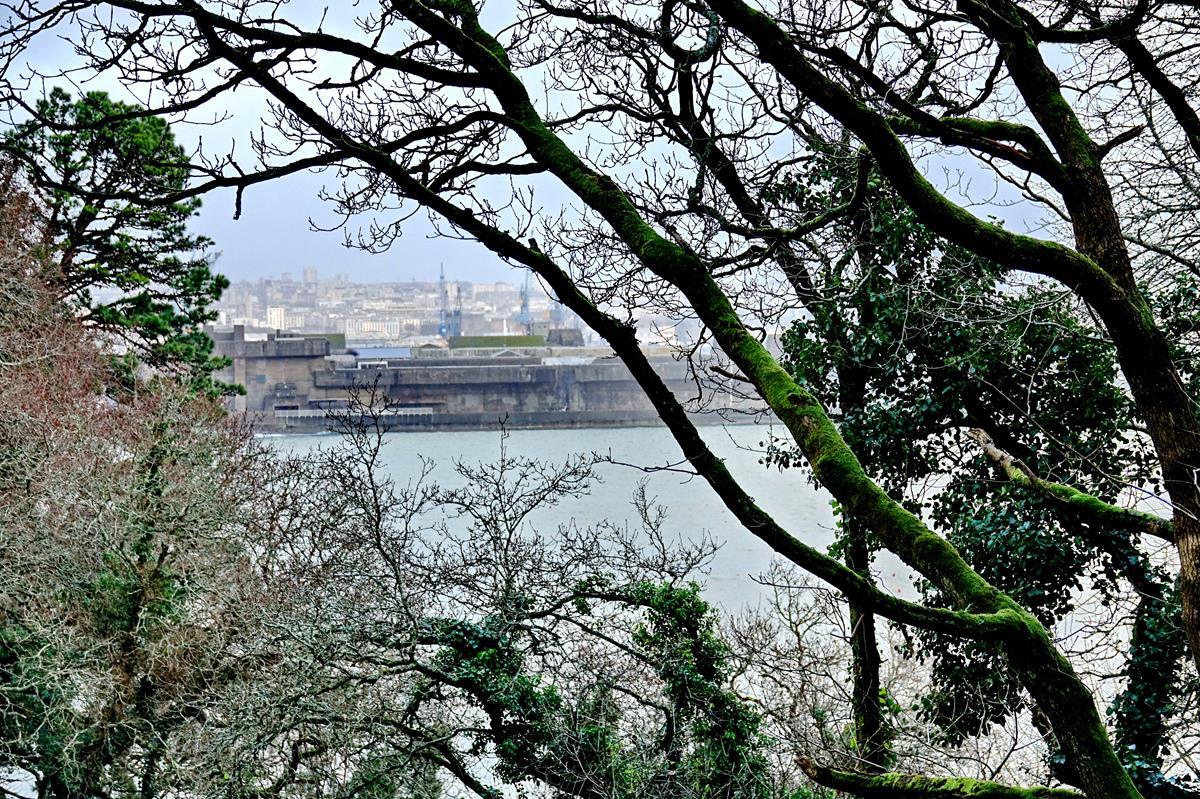 [Les ports militaires de métropole] Port de BREST - TOME 3 - Page 16 Brest115
